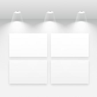 Galería interior con múltiples marcos vacíos