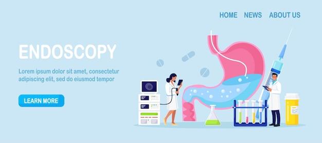 Gastroenterología. pequeños médicos diagnostican la enfermedad del estómago mediante endoscopia. estómago humano con endoscopio en el interior. examen del sistema de vías