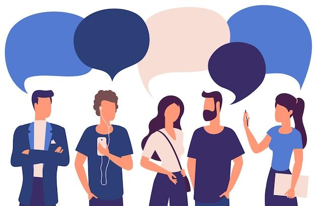 Gente de color de moda de diseño plano con burbujas de discurso en blanco