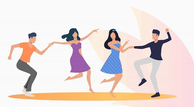 Gente feliz bailando salsa