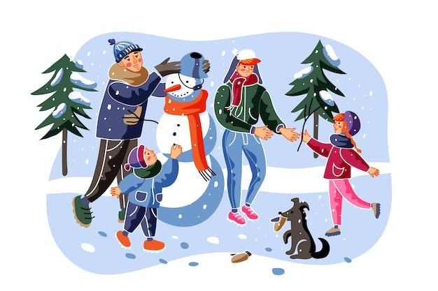 Gente haciendo ilustración de muñeco de nieve. personajes de dibujos animados alegres madre, padre, hijo e hija. padres con niños pequeños afuera. recreación familiar de invierno, actividad infantil.