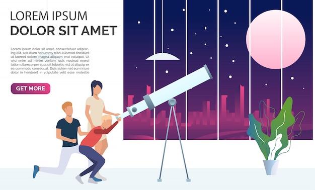 Gente mirando la luna y las estrellas a través del telescopio
