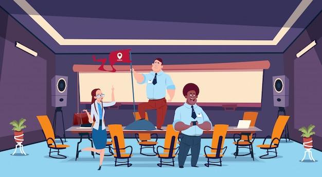 Gente de negocios en la sala de reuniones con bandera