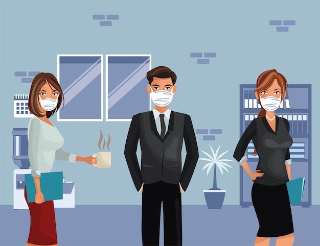 Gente de negocios trabajando y con máscara médica