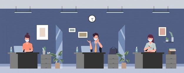 La gente de la oficina de negocios mantiene la sala de reuniones de distanciamiento social. detener el coronavirus covid-19. nuevo estilo de vida normal en el trabajo.