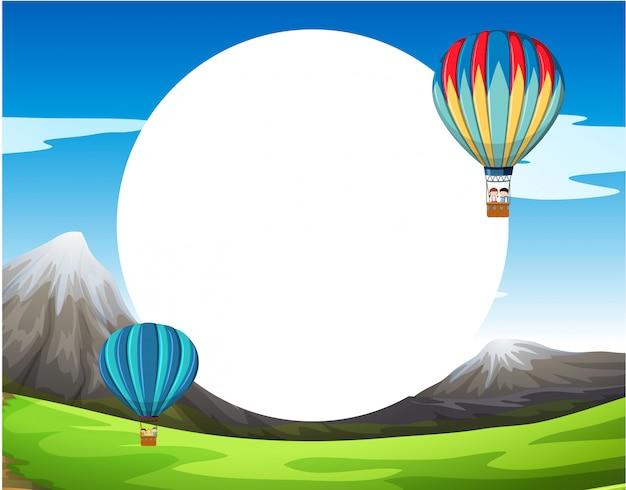 Un globo de aire caliente en blanco copyspace