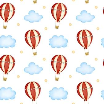 Globo de aire caliente de dibujos animados con rayas rojas y banderas azules en el cielo entre las nubes de patrones sin fisuras