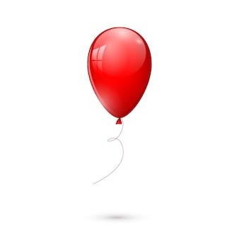 Globo rojo brillante aislado sobre fondo blanco.