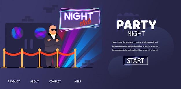 Gorila calva en gafas de sol fuera de la puerta del club nocturno