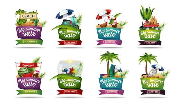 Gran colección de coloridos carteles de descuentos de verano en forma de cintas con elementos de verano, letras y botones
