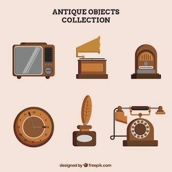 Gran colección de objetos antiguos