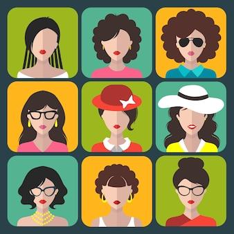 Gran conjunto de iconos de aplicaciones de mujeres diferentes en estilo plano.