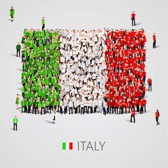 Gran grupo de personas en forma de bandera de italia