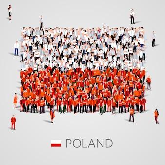 Gran grupo de personas en forma de bandera de polonia