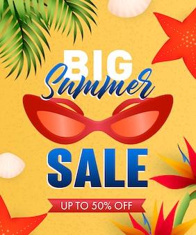 Gran venta de verano letras con estrellas de mar, flores y gafas de sol