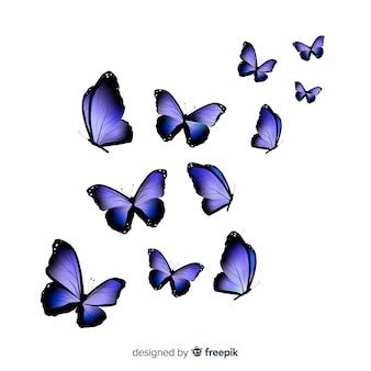 Grupo de mariposas realistas volando