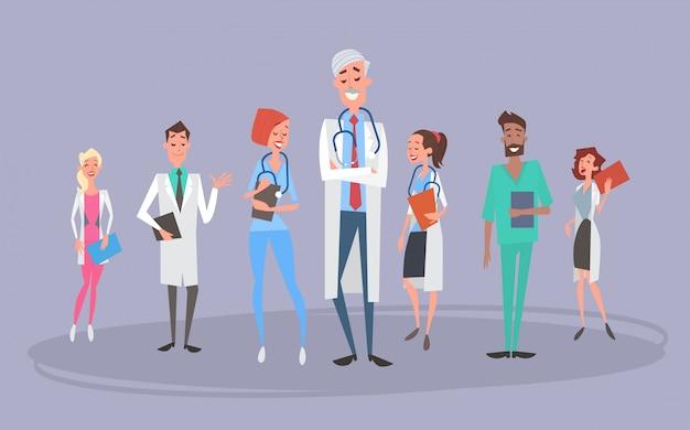 Grupo medial médicos equipo clínicas del hospital.