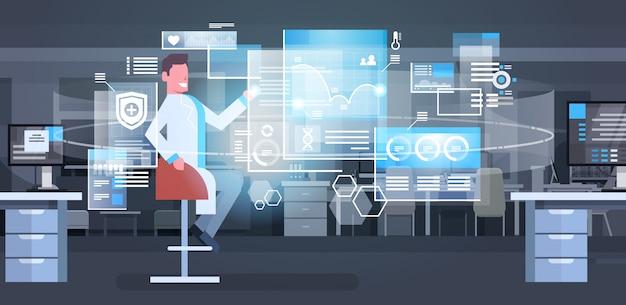 Grupo de médicos que utilizan el concepto moderno de la tecnología de la medicina de la pantalla de digitaces