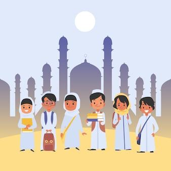 Grupo de niños árabes se encuentra en ropa tradicional con estilo de dibujos animados de mochilas escolares, sobre fondo plano con templo musulmán. niños de la escuela felices con mochilas y libros