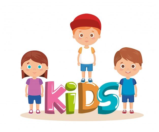 Grupo de niños pequeños con caracteres de palabras