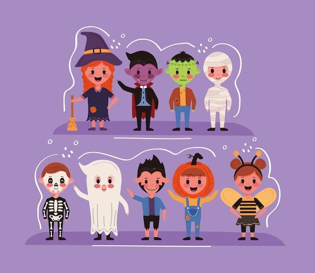 Grupo de niños con personajes de disfraces de halloween.