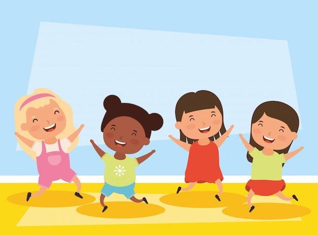 Grupo de pequeños personajes de chicas interraciales