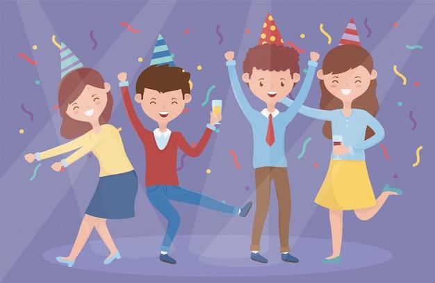 Grupo de personas bailando celebrando fiesta