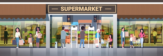 Grupo de personas sosteniendo bolsas empujando carros con comestibles compras concepto de consumismo supermercado moderno supermercado exterior horizontal de longitud completa