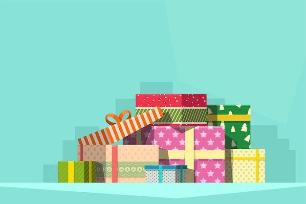 Grupo de regalos de navidad en pila con sombra