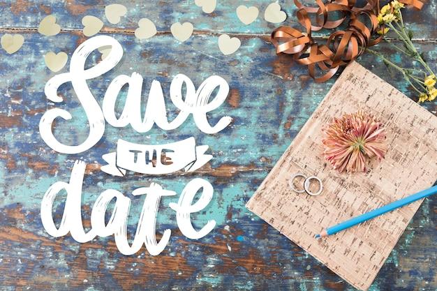 Guarde las letras de la fecha con la foto del cuaderno lindo