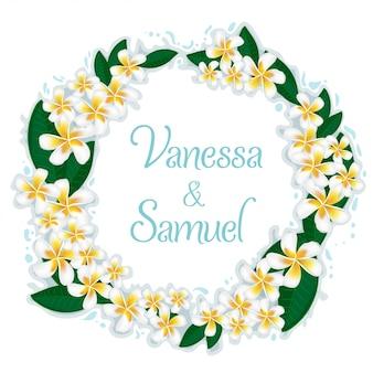 Una guirnalda de flores de plumeria con gotas de agua. invitación de boda
