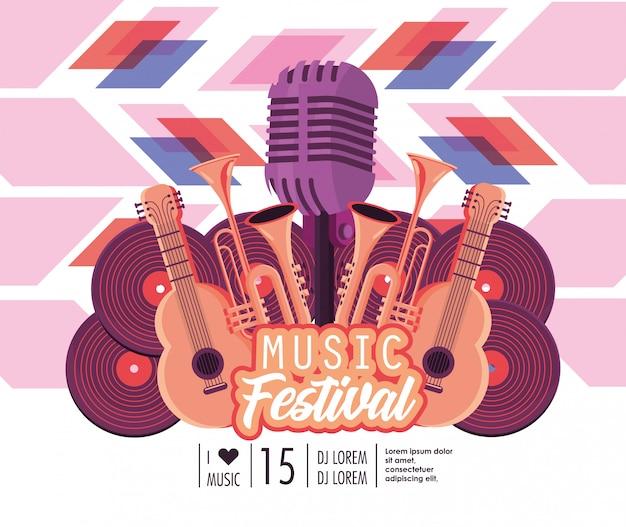 Guitarras acústicas con trompetas y micrófono para festival de música.