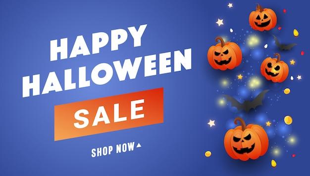 Happy halloween sale banner cara de miedo calabazas naranjas, monedas de oro, murciélagos y purpurina dorada