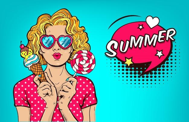 Helado y piruleta atractivos del cono del control de la mano de la mujer joven. chica rubia en gafas de verano. ilustración vectorial retro arte pop