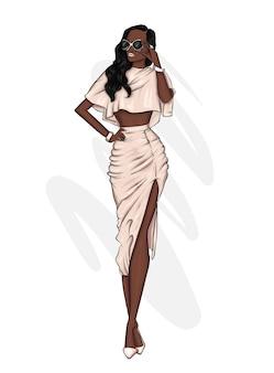 Hermosa chica en ropa elegante