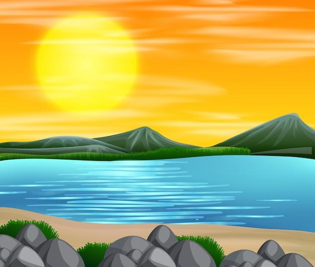 Una hermosa escena puesta de sol en la playa