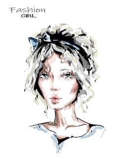 Hermosa mujer joven con lindo peinado