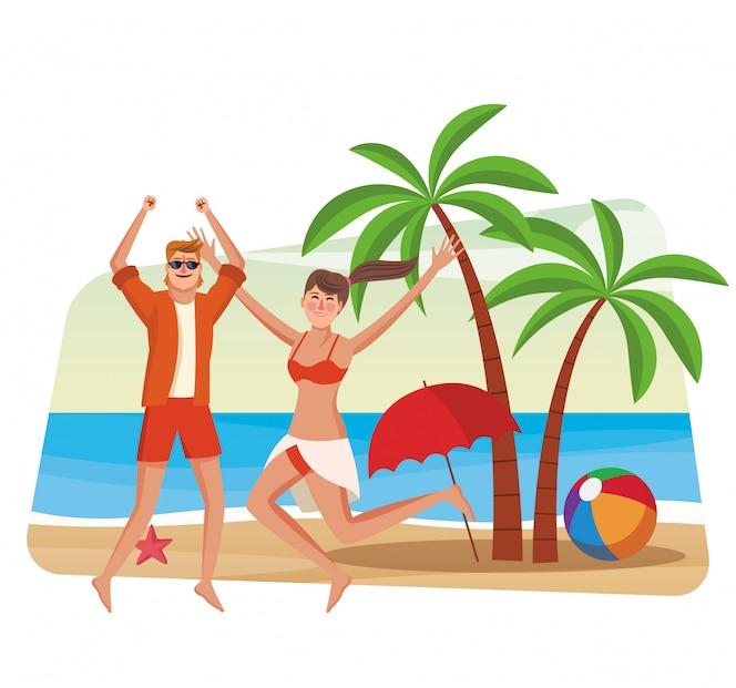 Hermosa pareja divirtiéndose en la playa