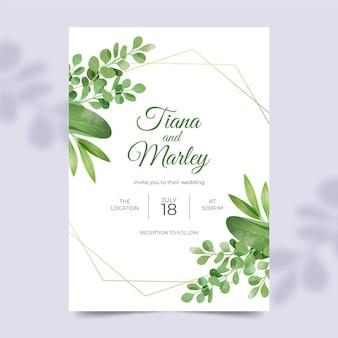 Hermosa plantilla de invitación de boda con adornos florales