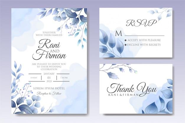 Hermosa plantilla de invitación de boda floral en azul clásico