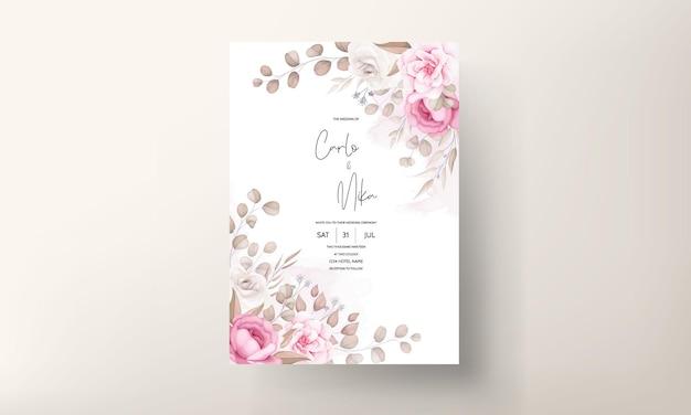 Hermosa plantilla de invitación de boda floral melocotón suave y marrón
