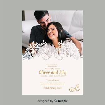 Hermosa plantilla de invitación de boda con foto