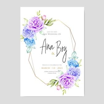 Hermosa tarjeta de boda con flores y hojas