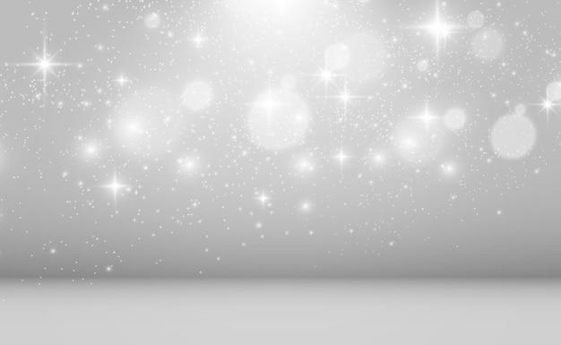 Hermosas chispas brillan con luz especial vector destellos sobre un fondo transparente