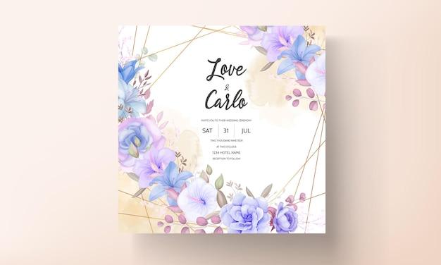 Hermoso azul y púrpura floral y hojas de diseño de tarjeta de invitación de boda