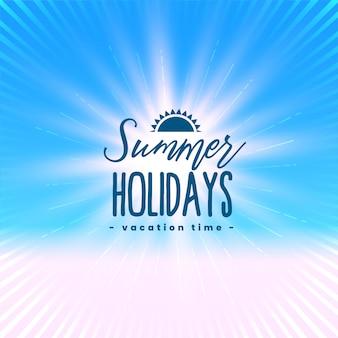 Hermoso cartel de vacaciones de verano con rayos de luz.