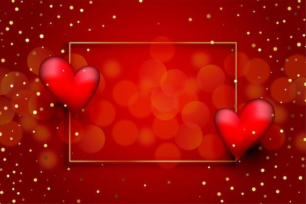 Hermoso fondo de amor rojo con corazones y purpurina dorada.