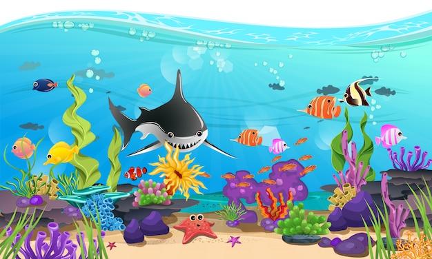 Hermoso mar con coral, arrecife y peces.