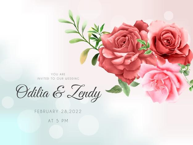 Hermoso ramo de rosas rojas y rosadas plantilla de invitación de boda dibujada a mano