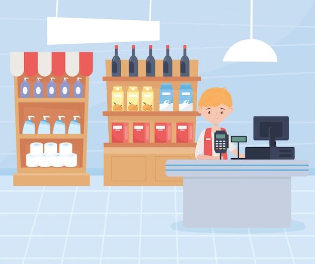 Hombre cajero estantes con productos de limpieza y compra de alimentos en exceso